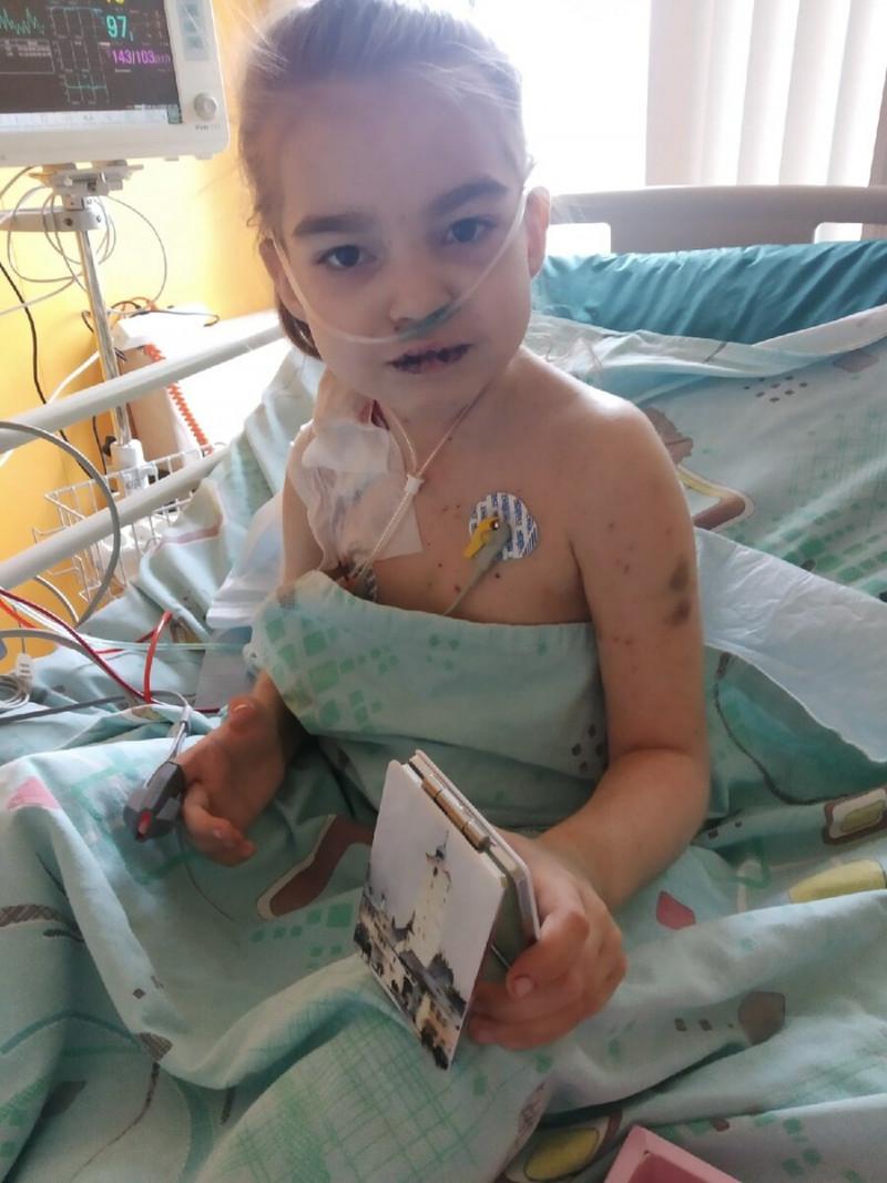 """Пусь взгляд этой умершей в этом году восьмилетней девочки, моей внученьки Лилии, будет немым укором нашему гнилому обществу, в котором не нашлось  даже одного донора на трансплантацию костного мозга, по сути - пункции, потому что, благодаря созданной системе, таких  доноров в России на два порядка (!!!) меньше, чем в тех же Штатах или Германии,  а врачи других больниц не предоставляли свои списки доноров по меркантильным причинам, заявляя ищущей шанс на спасение дочки матери, что """"вот там, где лечитесь, там и берите списки."""". Они ведают, что творят. Царствие тебе Небесное, новопреставленная Лилия!"""