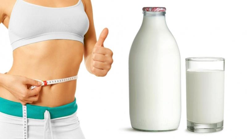 Большинство из тех, кто задумывался, как похудеть за неделю, встречались с кефирной диетой. Всего 500 мл кисломолочного продукта в сутки помогут быстро сбросить лишнее и увидеть на весах «минус» в несколько кг. Правда, для похудения, кроме кефира, можно кушать лишь немногое – каждые сутки недели разный продукт