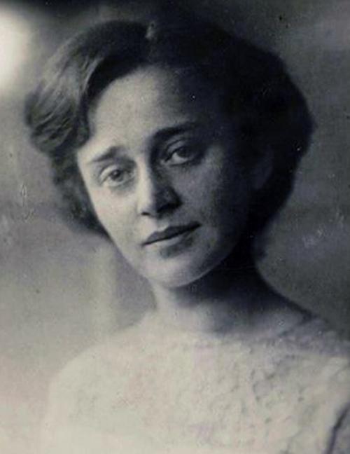 Поэтесса, критик и переводчица София Парнок (1885-1933)