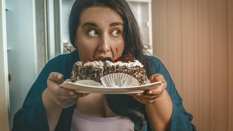 Вот примерно с таким рвением я лопала тортики до диеты
