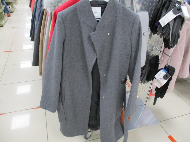 пальто женское в фамилии 4999 рублей
