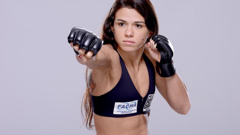 MMA - женское ли это дело?