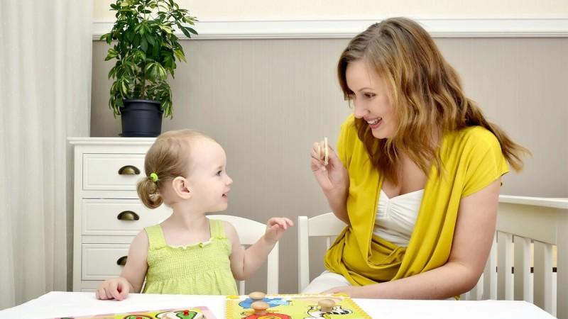 Женщины читают язык тела своих детей.