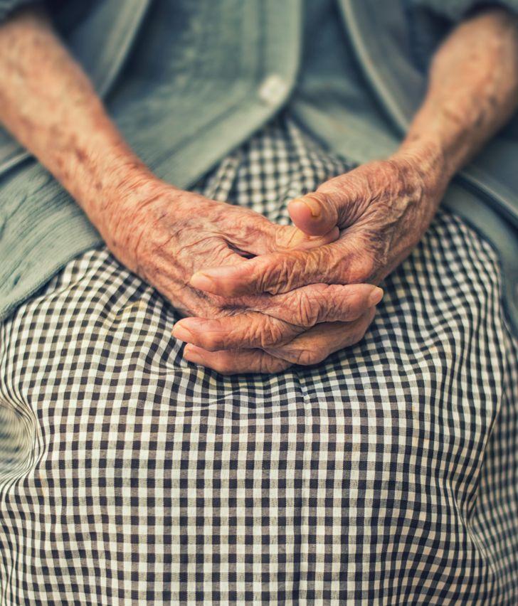 Женщина написала трогательный текст о том, как выглядит счастливая старость