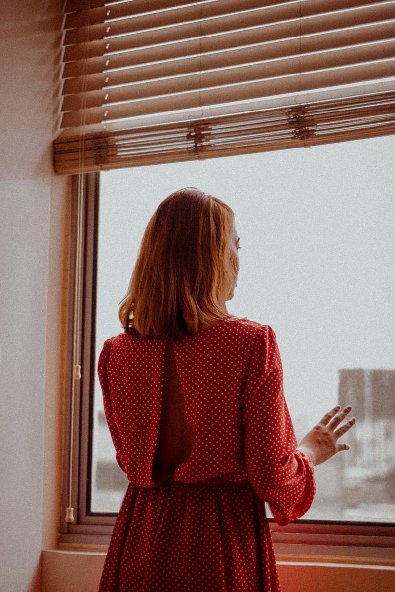 3 признака, по которым можно понять, что женщина тебя не любит