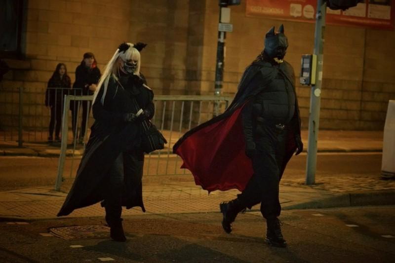 Человек в костюме Бэтмена на съёмках Бэтмена(фото из интернета)