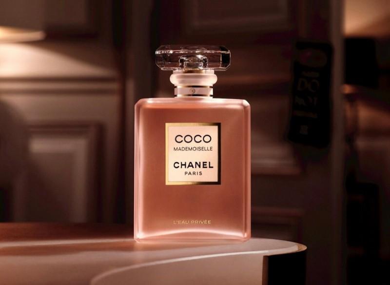 Поверьте, шлейф этого парфюма привлечет к вам только статусных и обеспеченных поклонников.