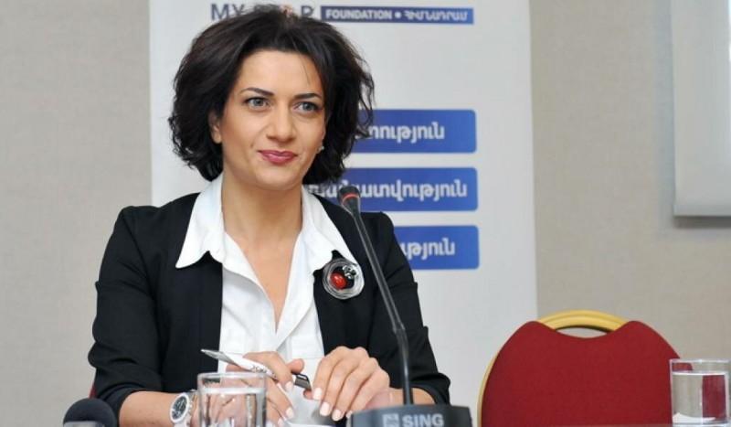 Женщины-добровольцы готовятся к боям в Карабахе.