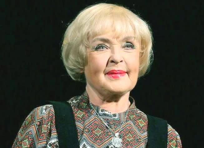 Красота без пластики: 7 российских знаменитостей, которые решили стареть естественно