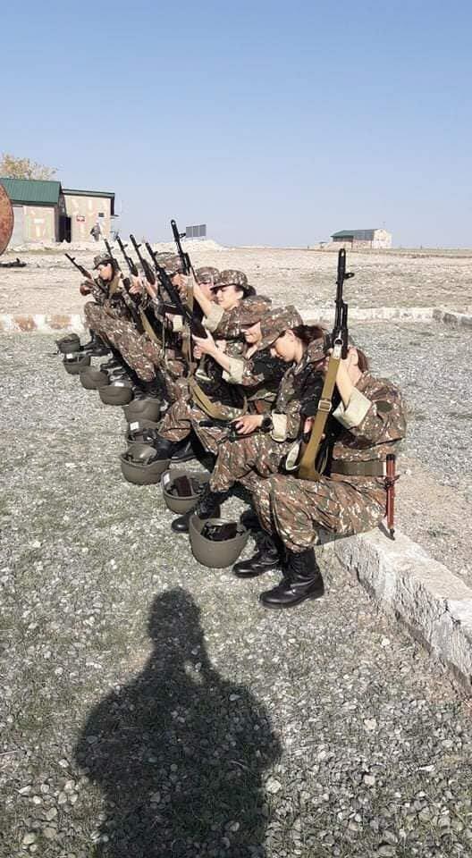 За армян воюют женщины