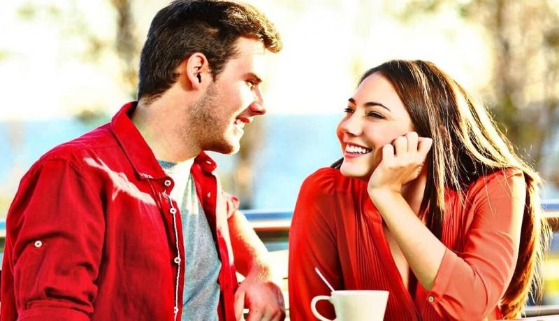 Куда и на что смотрят женщины при знакомстве?