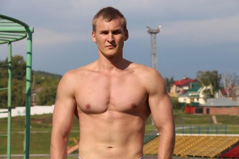 Тут мой вес 84 кг, фото сделано после тренировки.