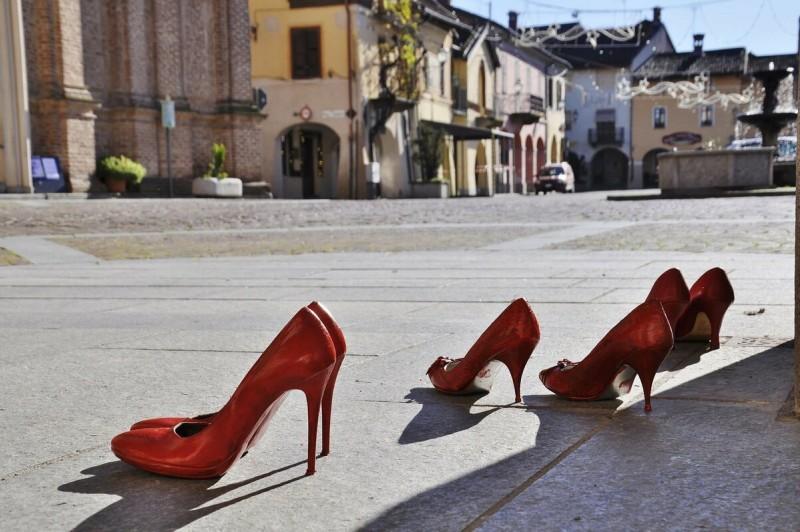 День красных туфель: какая ответственность предусмотрена в Италии за насилие над женщиной?