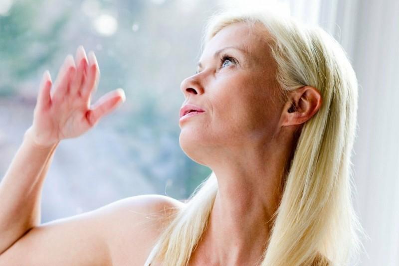 Чеснок, миндаль и расторопша против гормонального дисбаланса у женщин.