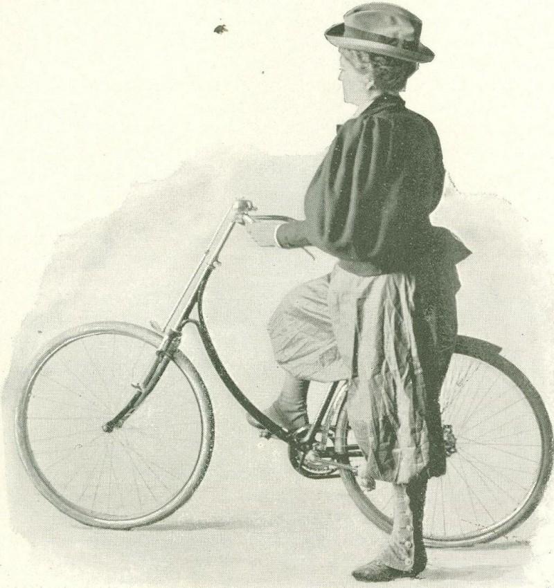 Женщина без юбки! — одежда первых велосипедисток повергала окружающих в глубокий шок — фото из общего доступа