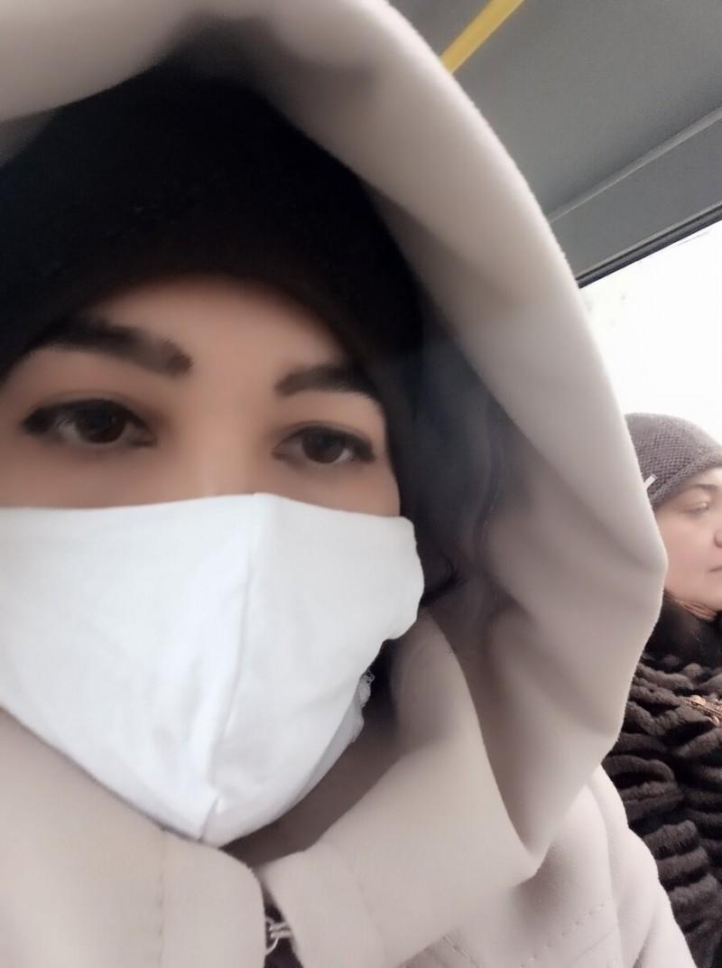 В маршрутке разгорелся скандал из-за отсутствия у женщины маски.