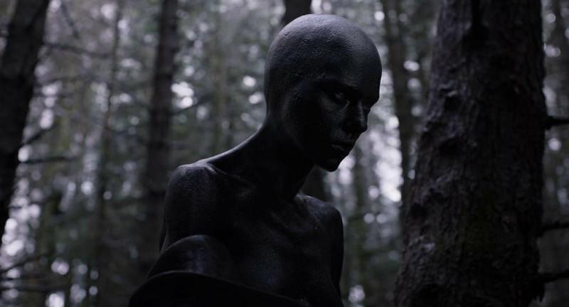 """Инопланетянка из """"Побудь в моей шкуре"""""""