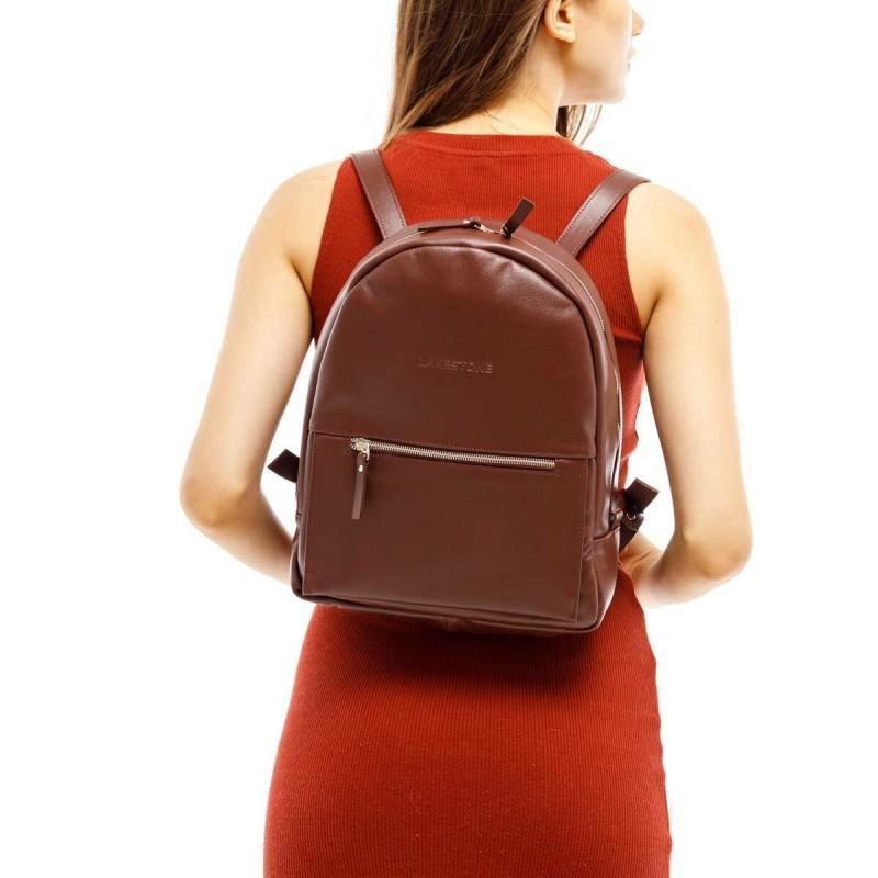 Почему современные женщины предпочитают рюкзаки: 5 объективных причин