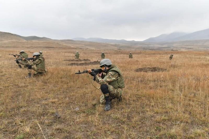 Супруга Пашиняна заявила, что ее женский отряд готов участвовать в боях