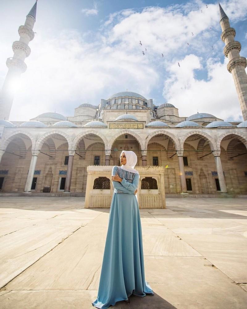 Почему турецкие мужчины пристают к русским женщинам?