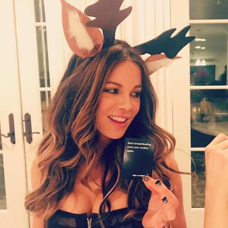 Кейт Бекинсейл - 47 лет. Источник - Instagram