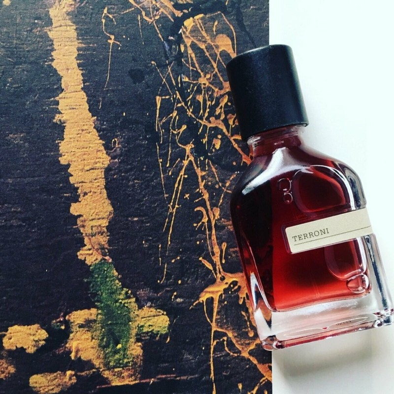Творение парфюмера Alessandro Gualtieri посвящено красоте человеческого тела и естественной прелести природы.