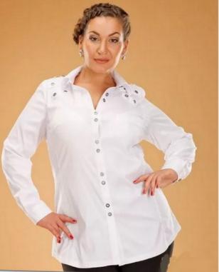 Белая рубашка для женщин 50+: как носить и почему надо обязательно купить