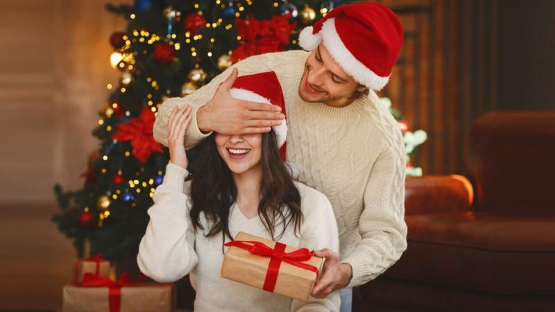 Топ-10 подарков любимой женщине в новый год