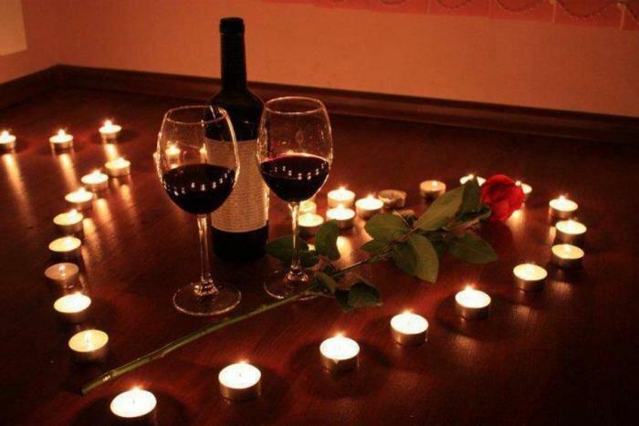 https://fb.ru/article/152554/kak-ustroit-romanticheskiy-vecher-muju-interesnyie-idei-dlya-vernyih-jen