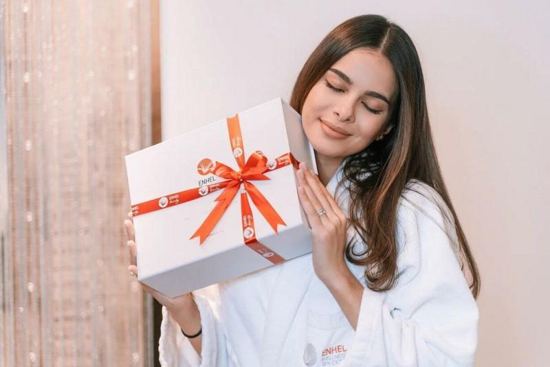 Что подарить женщине на Новый год 2021