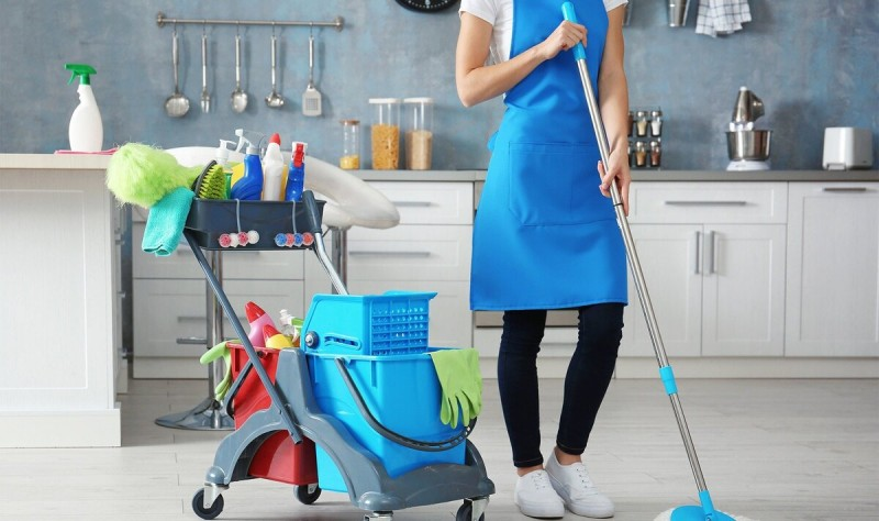 Убирайте вещи на место сразу - это сэкономит массу времени на уборке.