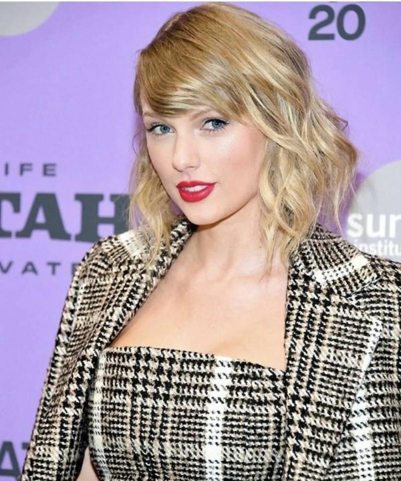 Десять самых красивых женщин 2020 года : 10 место