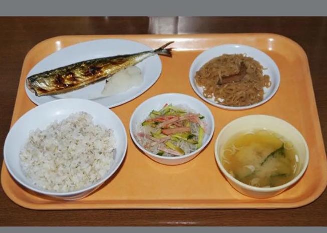 """Как кормят в женской колонии: есть смена поваров, которые из скудного меню могут приготовить как в """"ресторане"""""""