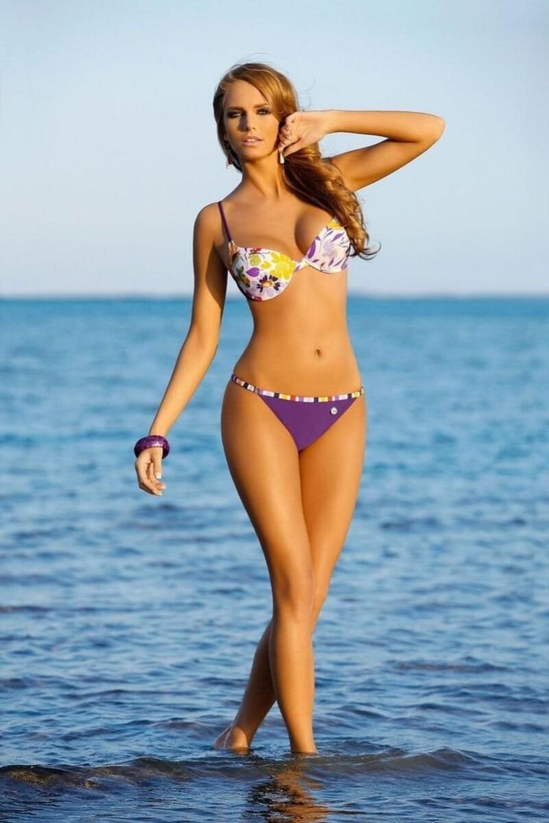 Женская фигура – это первоначальные пропорции, линии и особенности частей тела.