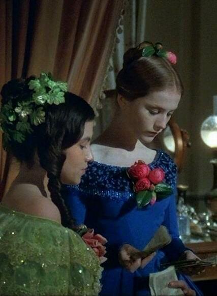 Мода 1840-х. Нарядные платья и причёски.