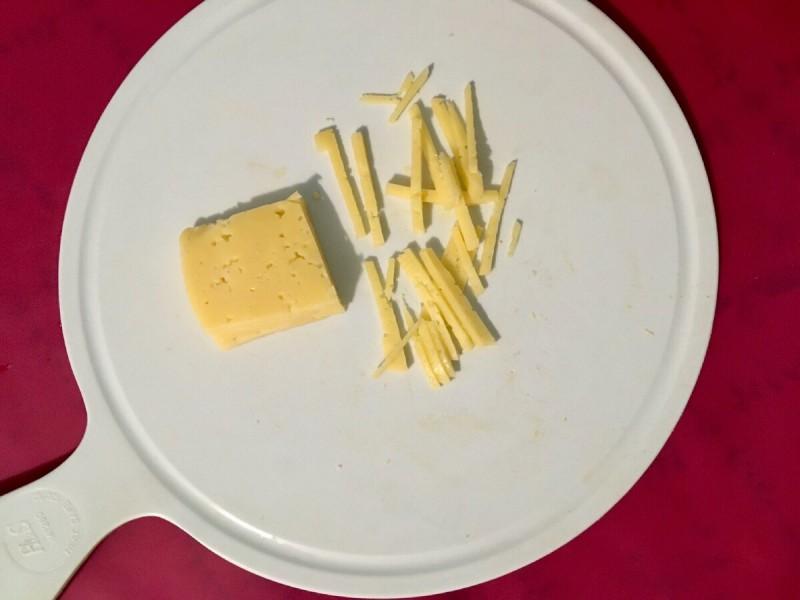 Уже давно отказалась от голодовок и смогла похудеть до 54 кг. Салат с тунцом - один из вариантов моего ужина