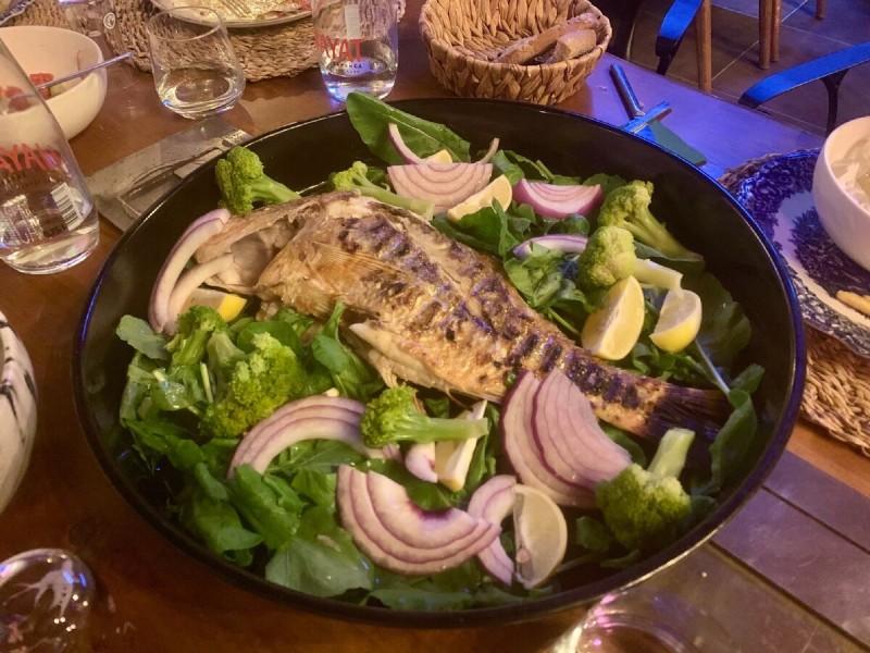 Рыбка в ресторане в Гечеке. Порция на двоих