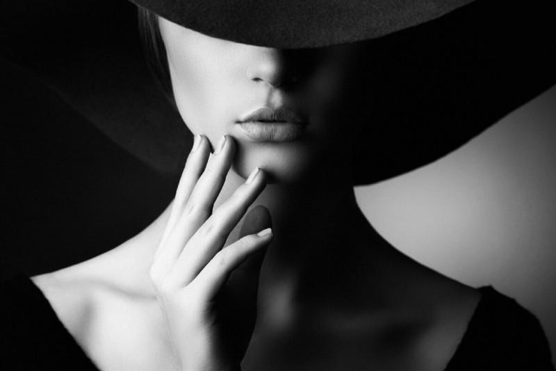 5 причин, по которым женщина притягивает слабых мужчин!