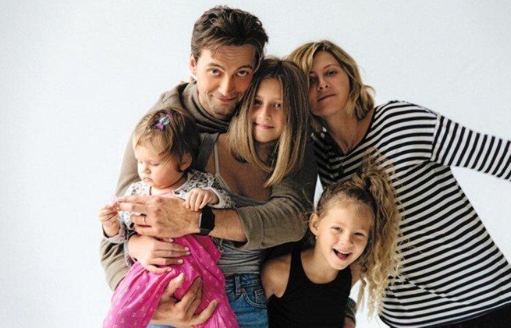 Иван Колесников с семьей