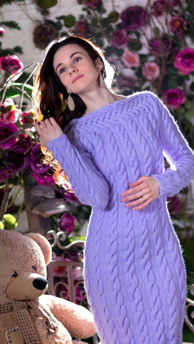 Хит зимы 2021 года. Женские вязанные платья снова в тренде.