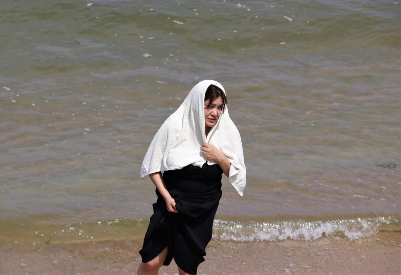 На пляже. Беспощадное японское солнце палит
