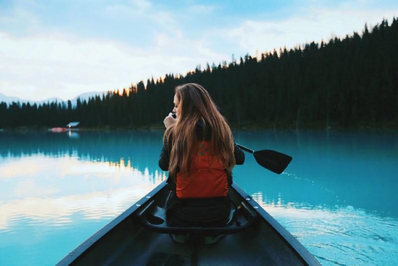 Если женщина путешествует одна
