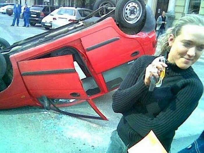 """Смешная фотоподборка из серии """"Женщина за рулём"""""""