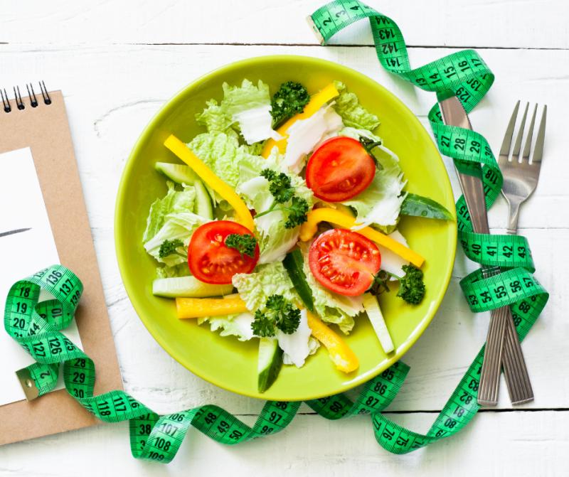 Строгая диета после праздников может сильно навредить здоровью