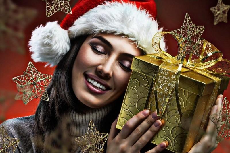 Чего хотят женщины от бородатого деда с мешком в новогоднюю ночь?