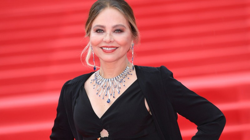 Самые красивые знаменитые женщины 50+
