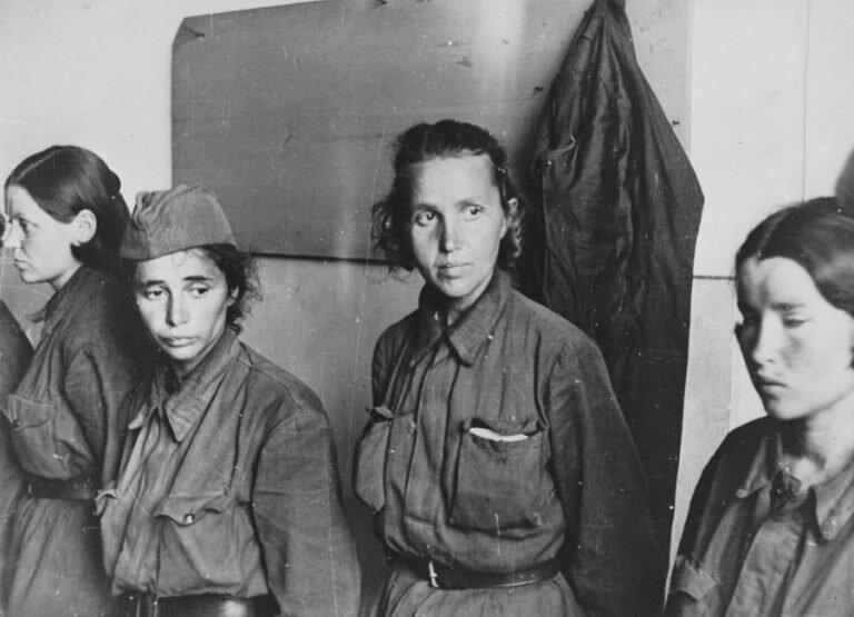 Как содержались в немецком плену женщины-красноармейцы