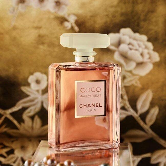Это, несомненно, благородный, утонченный, роскошный и женственный парфюм.