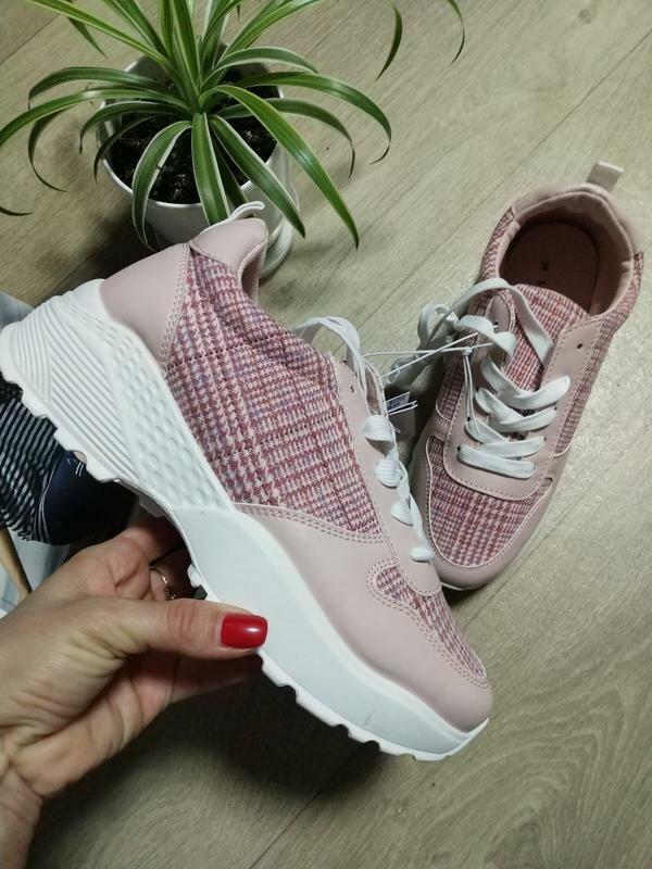 Модные женские кроссовки 2021 – новые тренды