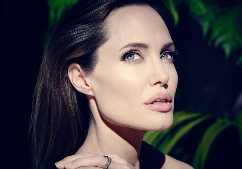 """Новый стандарт красоты - """"подбородок Джоли"""". Уникальное решение этой задачи без операций!"""